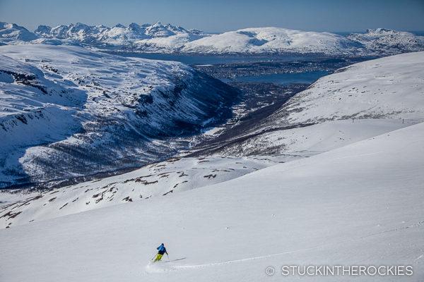 Penn Newhard skiing Tromsdalstinden