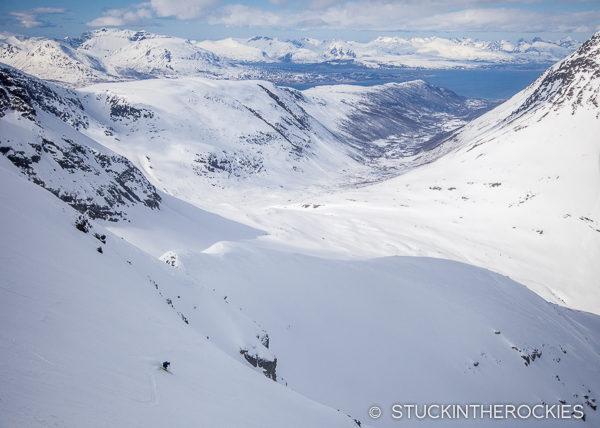 Skiing Andersdaltinden